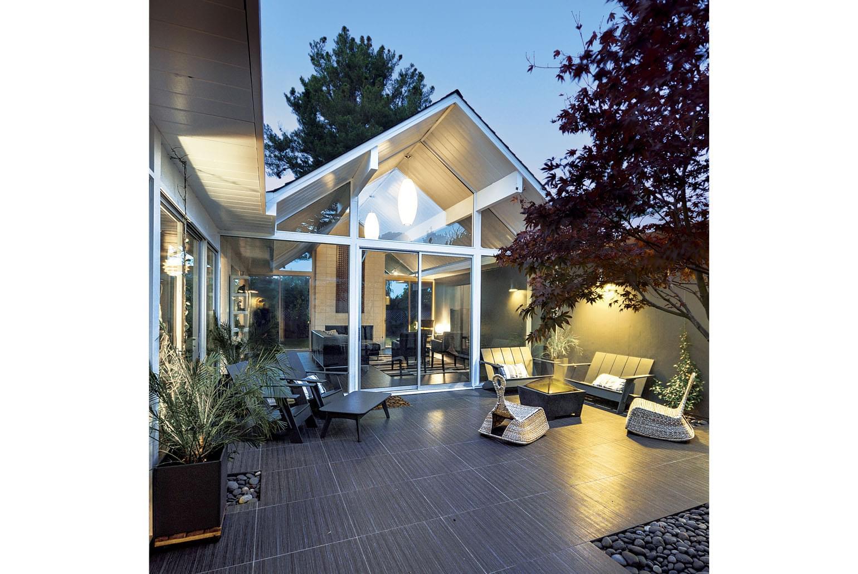 Best remodeled home fine homebuilding s 2015 houses awards for Fine homebuilding houses