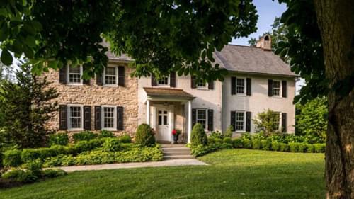1700s-Era Farmhouse