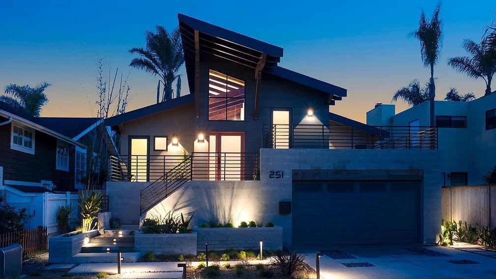 Contemporary Del Mar Beach Cottage