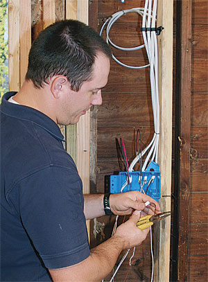How to Wire a Switch Box - Fine Homebuilding Neat Wiring on