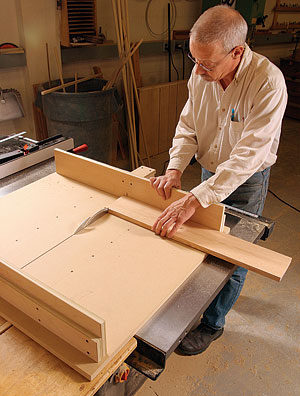 Pleasing Build A Tablesaw Crosscut Sled Fine Homebuilding Download Free Architecture Designs Scobabritishbridgeorg